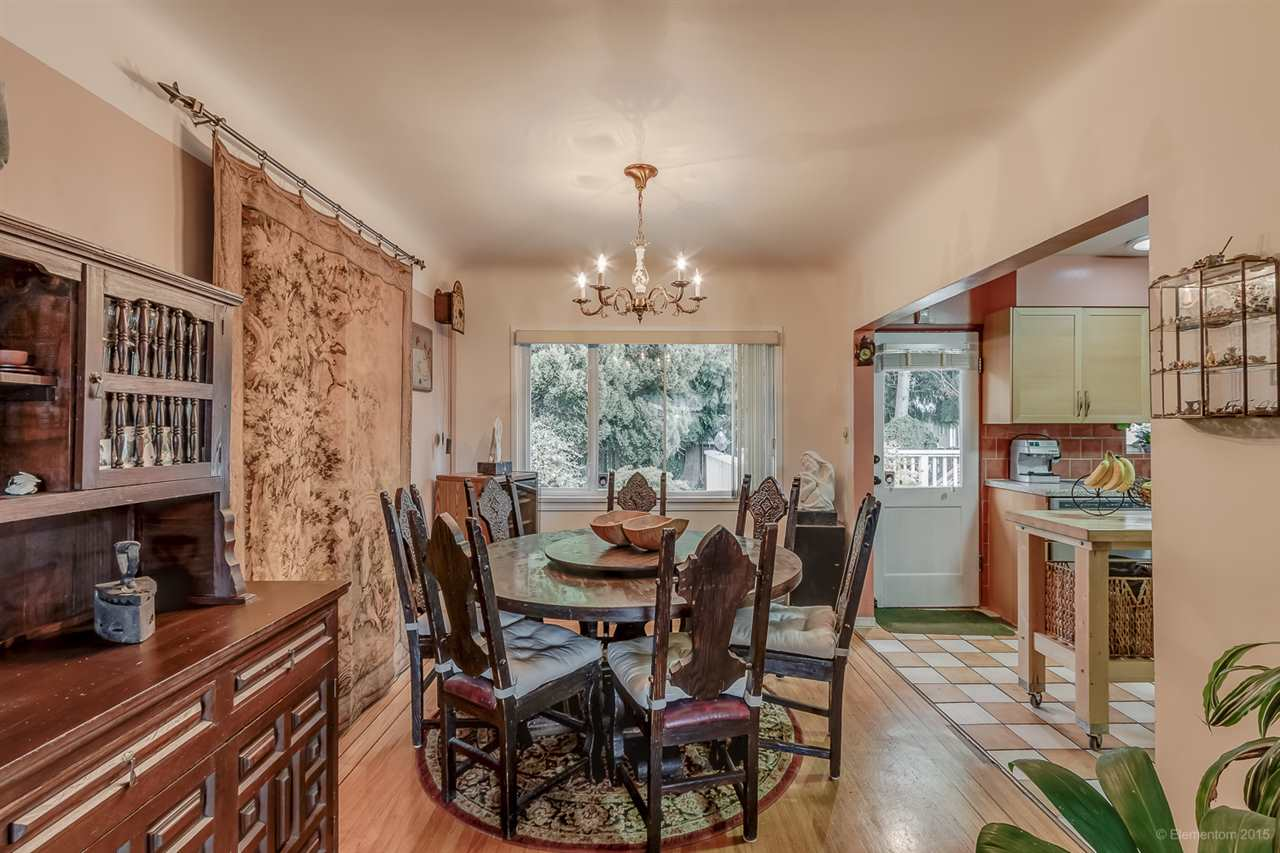 Detached at 5691 RUMBLE STREET, Burnaby South, British Columbia. Image 4