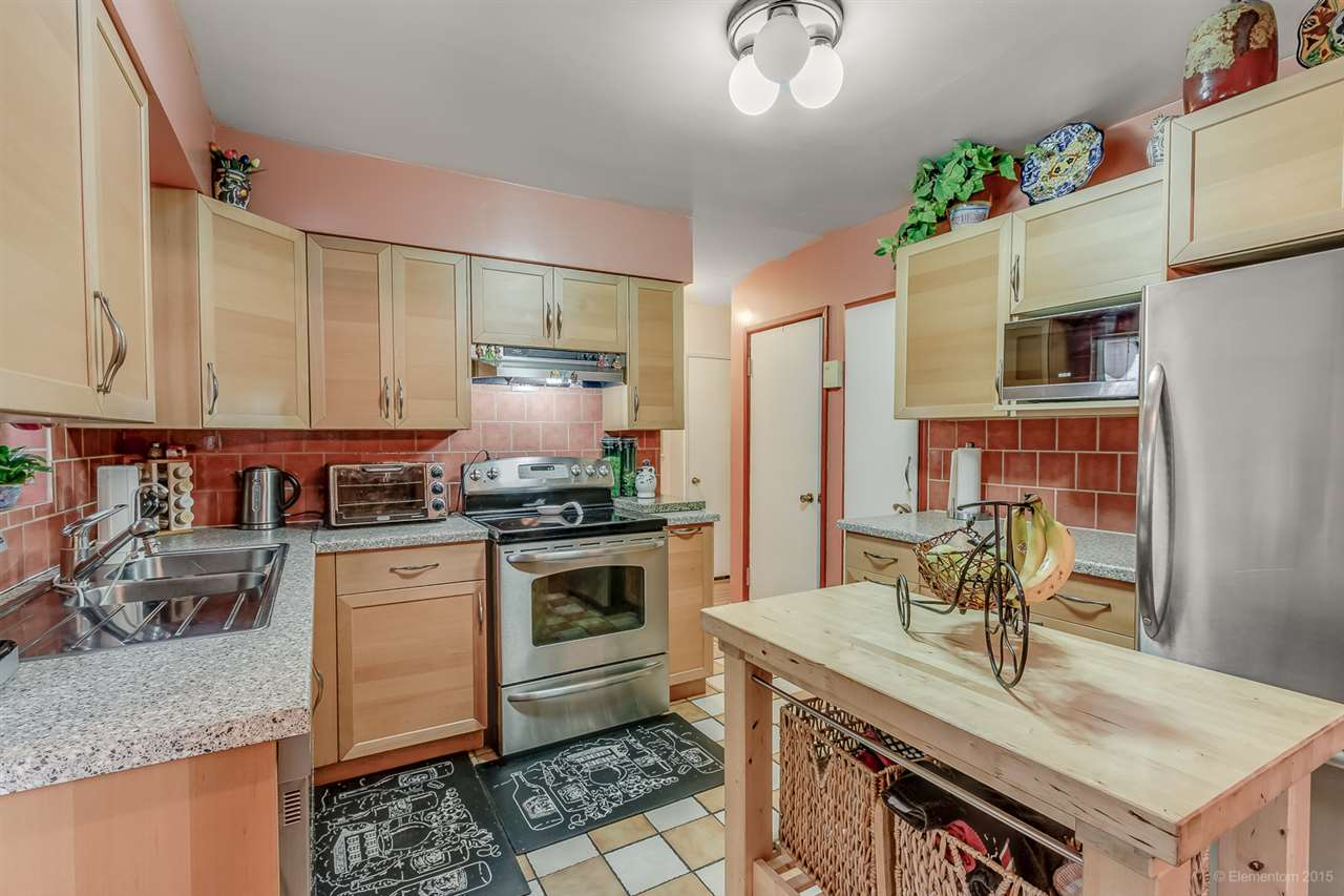 Detached at 5691 RUMBLE STREET, Burnaby South, British Columbia. Image 6