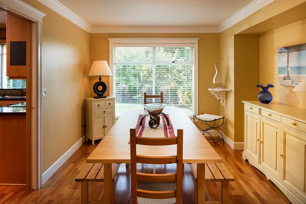 Detached at 4798 MEADFEILD ROAD, West Vancouver, British Columbia. Image 7