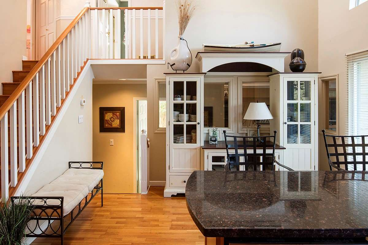Detached at 4798 MEADFEILD ROAD, West Vancouver, British Columbia. Image 11