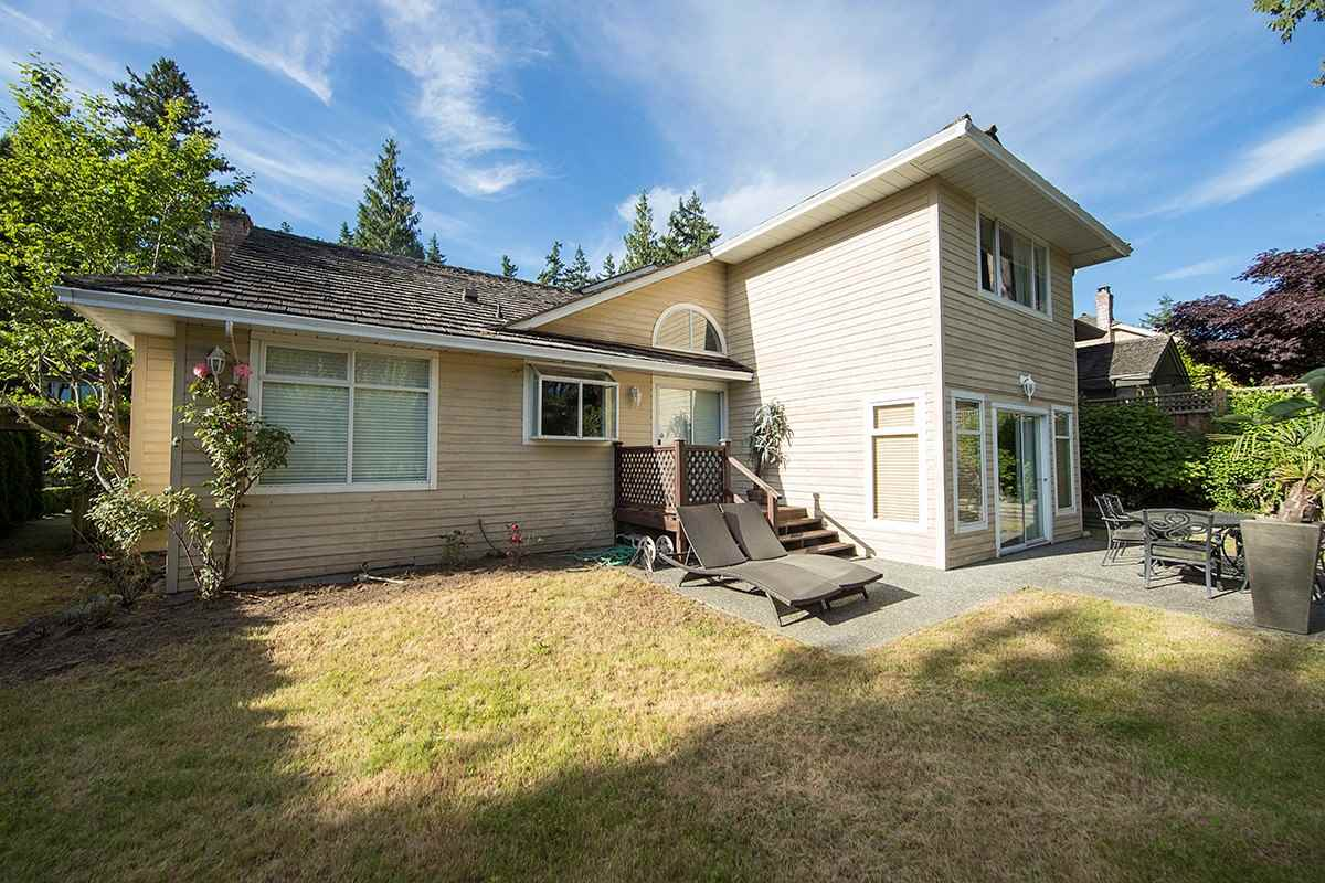 Detached at 4798 MEADFEILD ROAD, West Vancouver, British Columbia. Image 20