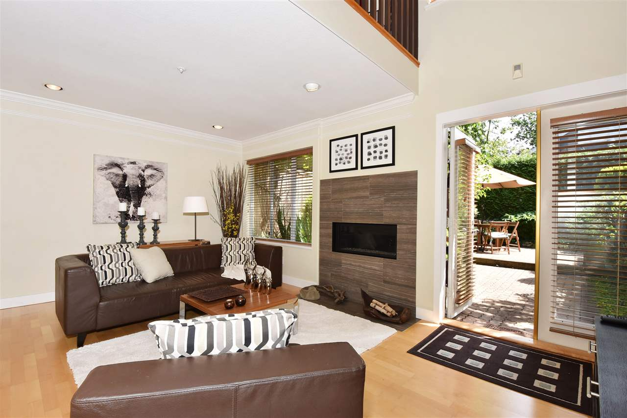 Townhouse at 2340 W 6TH AVENUE, Vancouver West, British Columbia. Image 2