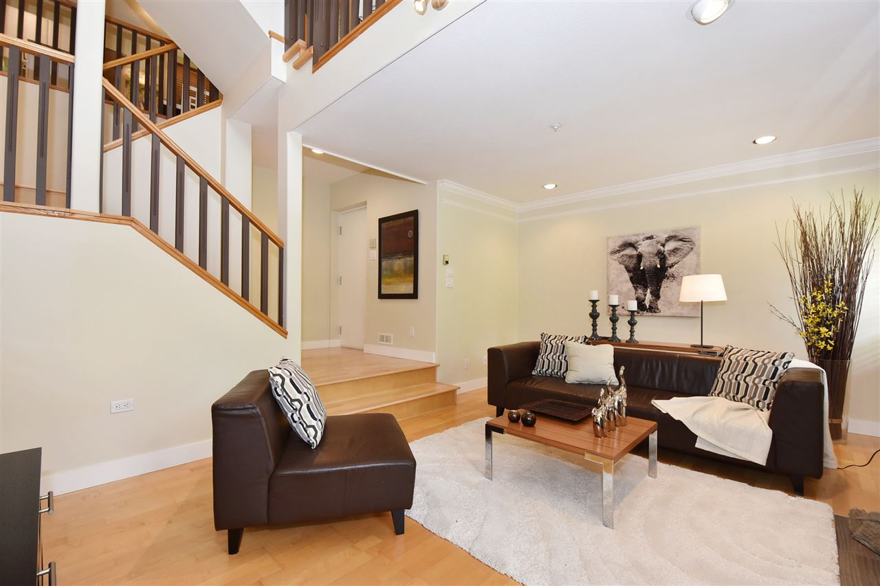 Townhouse at 2340 W 6TH AVENUE, Vancouver West, British Columbia. Image 3