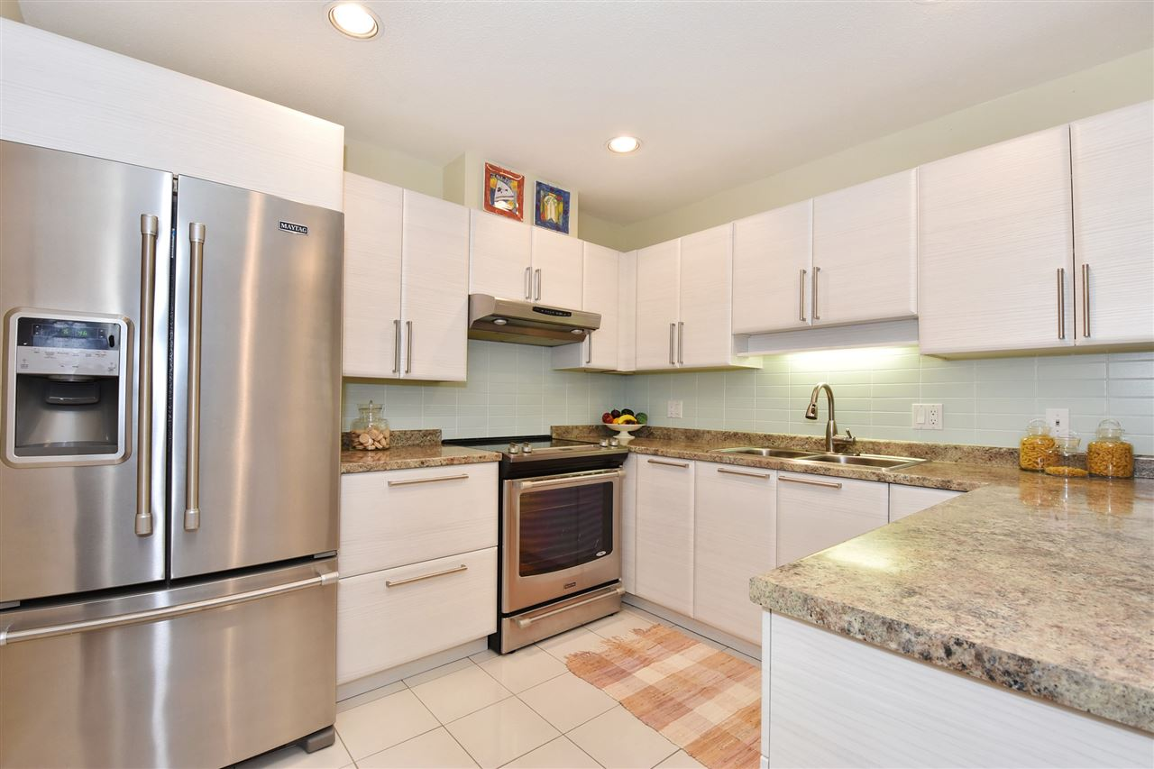 Townhouse at 2340 W 6TH AVENUE, Vancouver West, British Columbia. Image 6