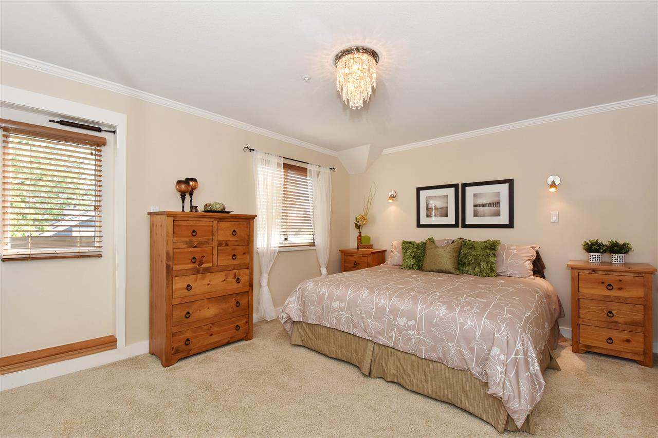 Townhouse at 2340 W 6TH AVENUE, Vancouver West, British Columbia. Image 11