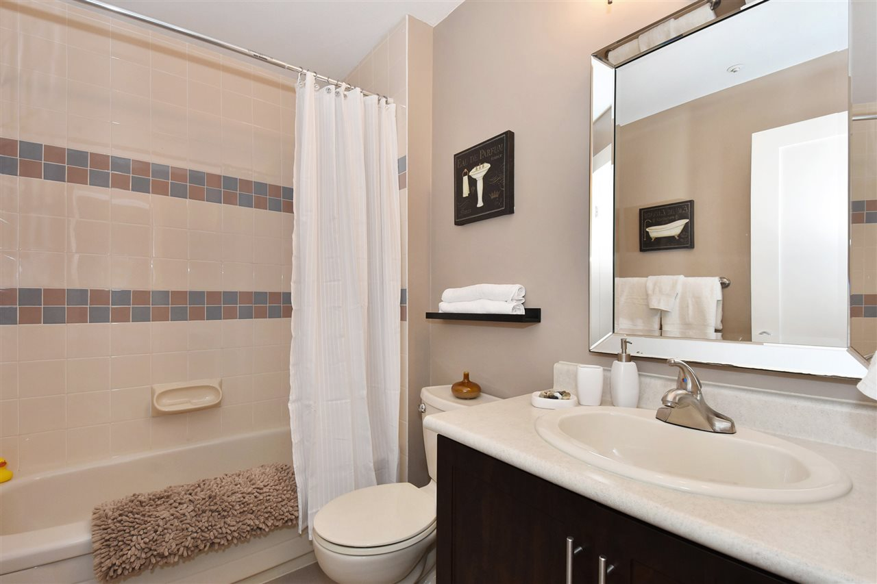 Townhouse at 2340 W 6TH AVENUE, Vancouver West, British Columbia. Image 15