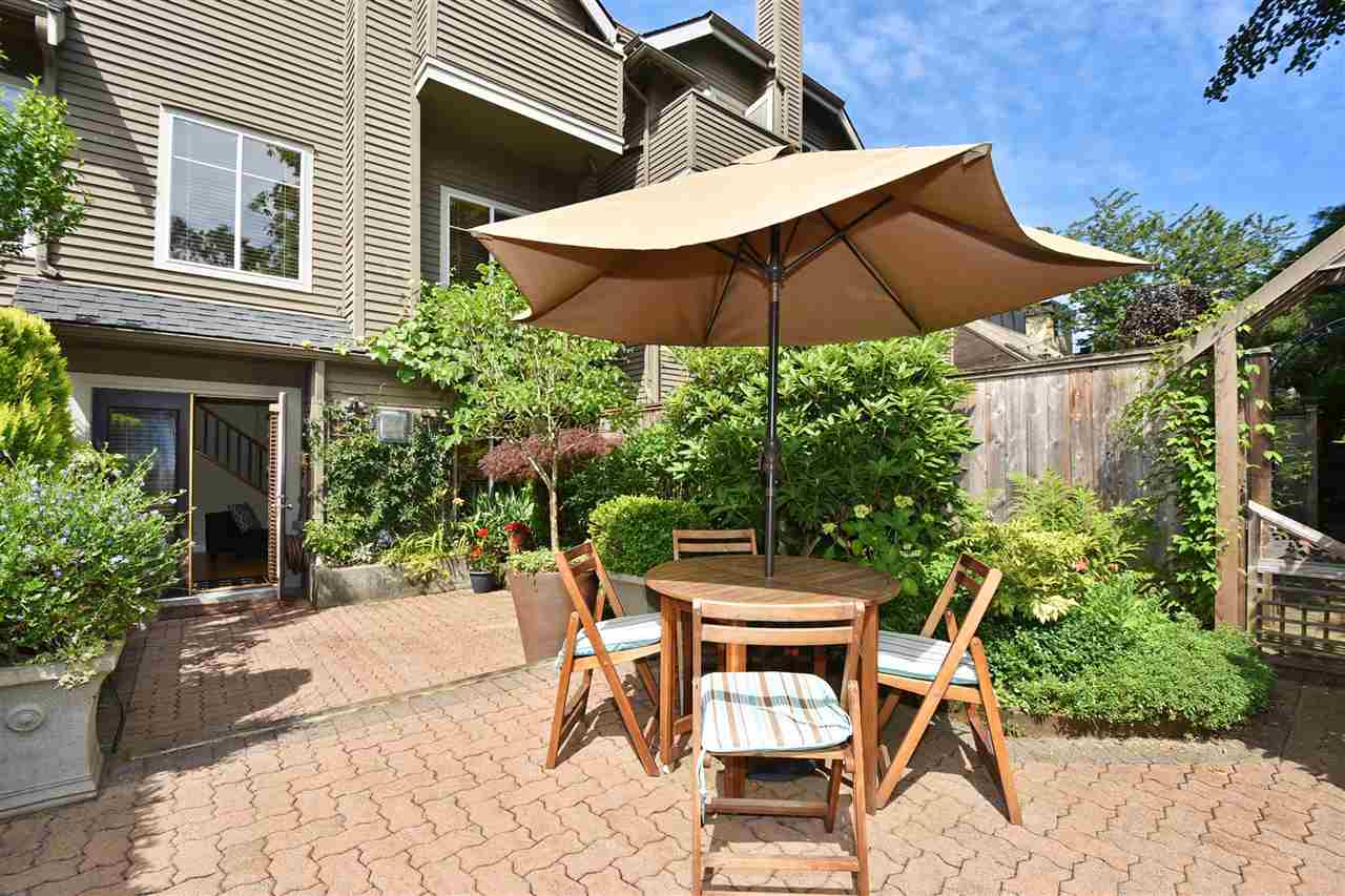 Townhouse at 2340 W 6TH AVENUE, Vancouver West, British Columbia. Image 19