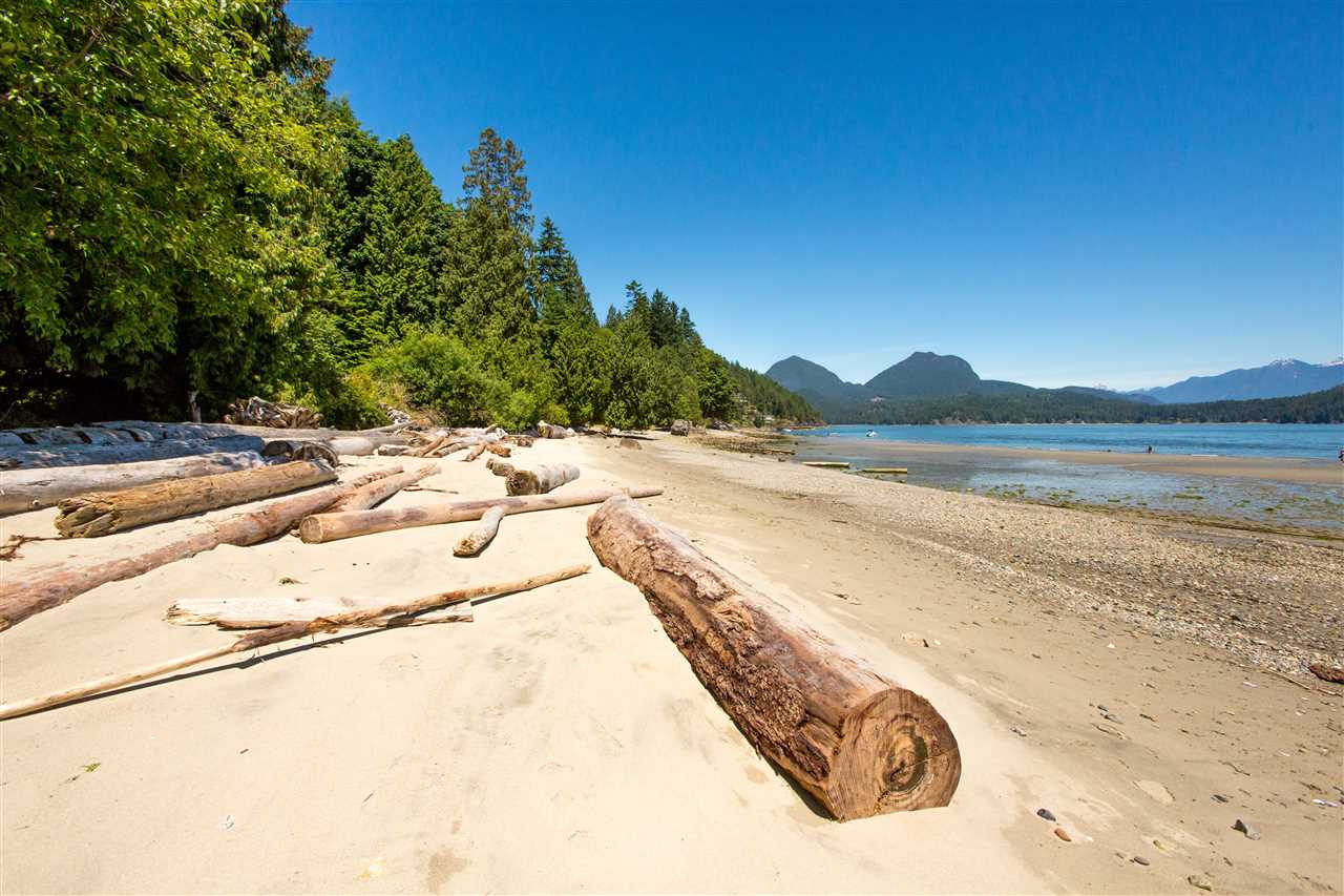 Detached at 1466 SMITH ROAD, Sunshine Coast, British Columbia. Image 1