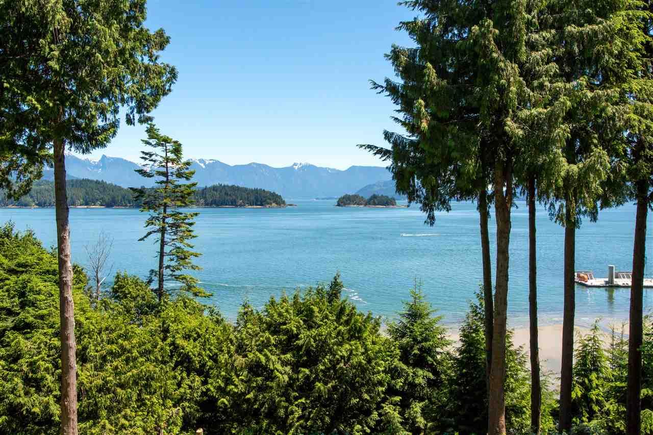 Detached at 1466 SMITH ROAD, Sunshine Coast, British Columbia. Image 2