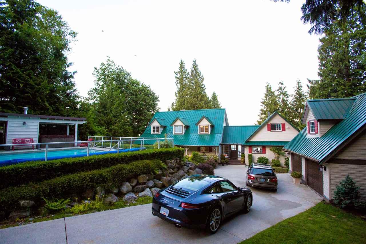 Detached at 1466 SMITH ROAD, Sunshine Coast, British Columbia. Image 4