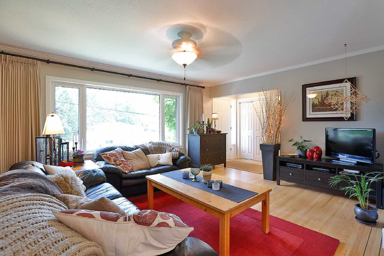 Detached at 9652 123 STREET, North Surrey, British Columbia. Image 3