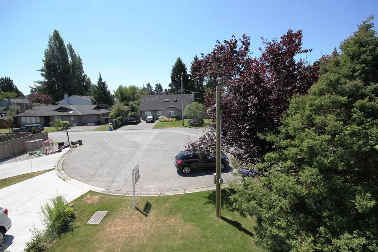 Detached at 4649 RILEY PLACE, Ladner, British Columbia. Image 2