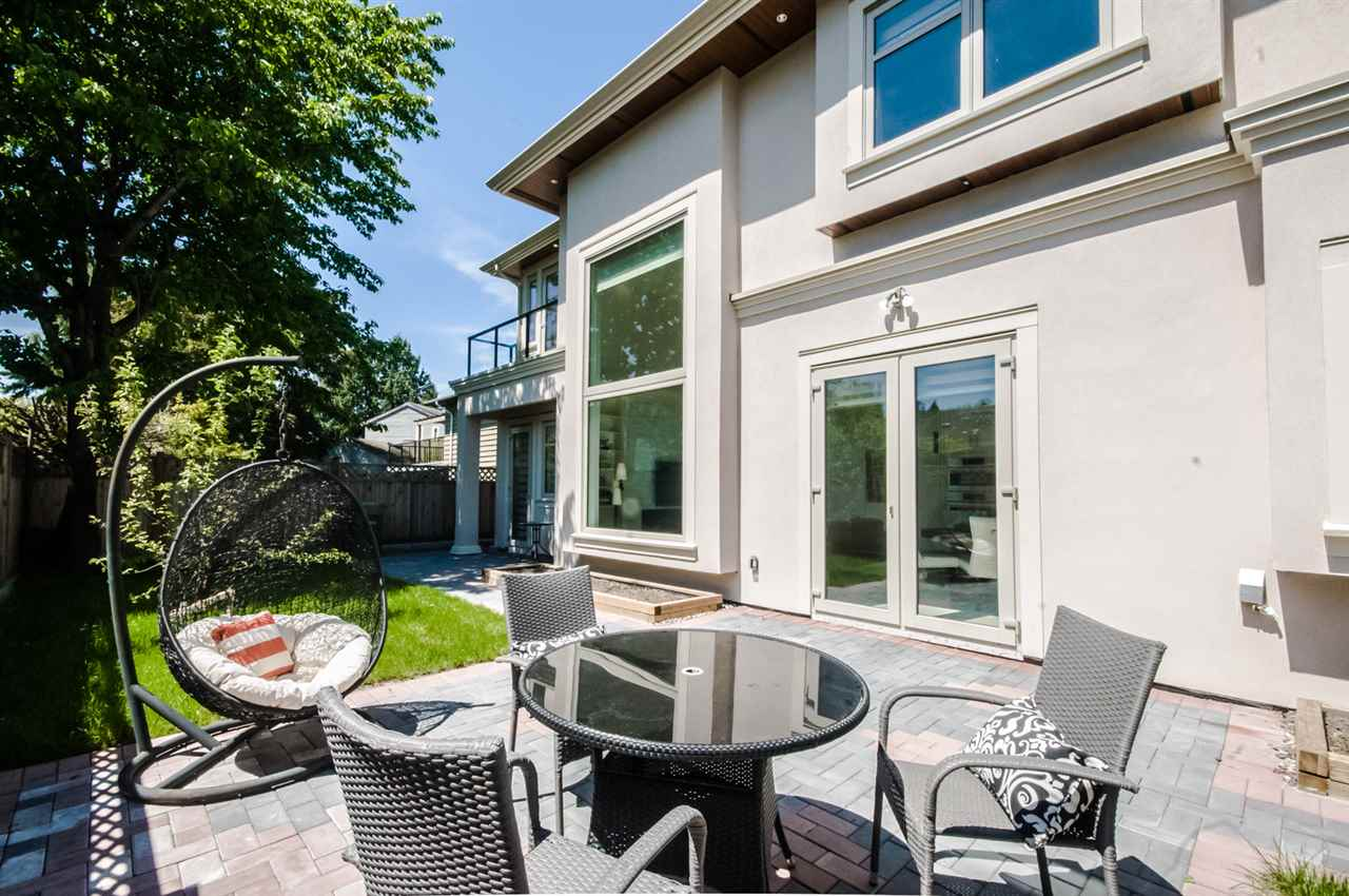 Detached at 10728 REYNOLDS DRIVE, Richmond, British Columbia. Image 19