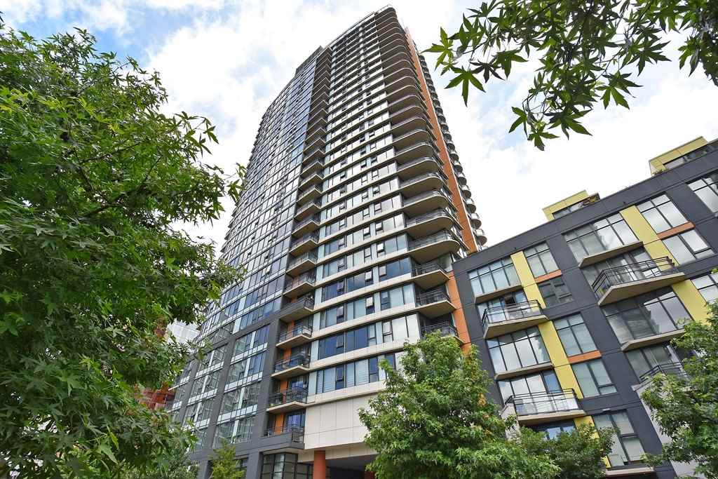 Condo Apartment at 2001 33 SMITHE STREET, Unit 2001, Vancouver West, British Columbia. Image 2