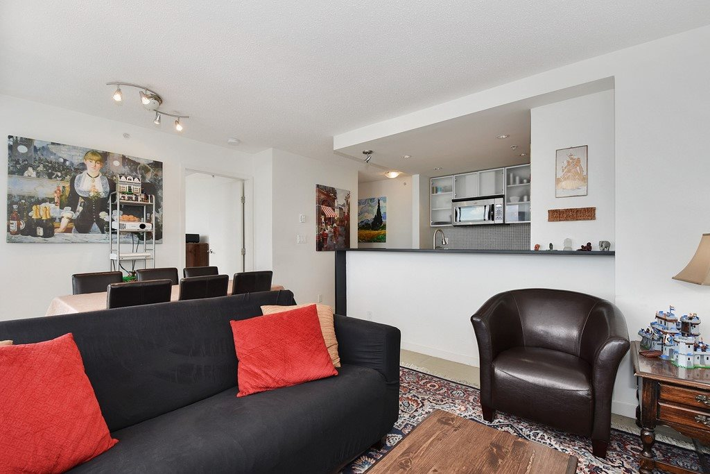 Condo Apartment at 2001 33 SMITHE STREET, Unit 2001, Vancouver West, British Columbia. Image 5