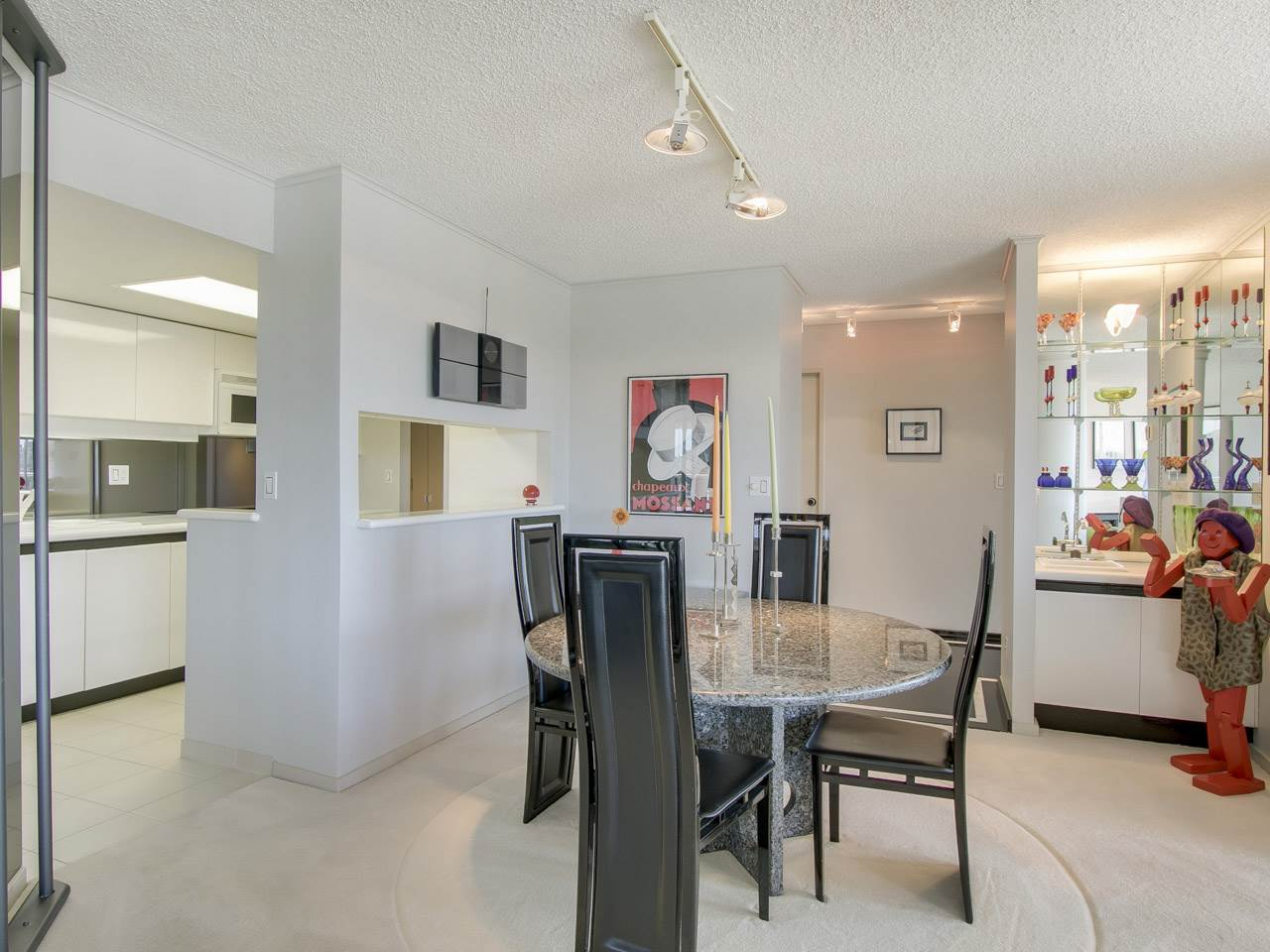 Condo Apartment at 802 1600 HOWE STREET, Unit 802, Vancouver West, British Columbia. Image 7