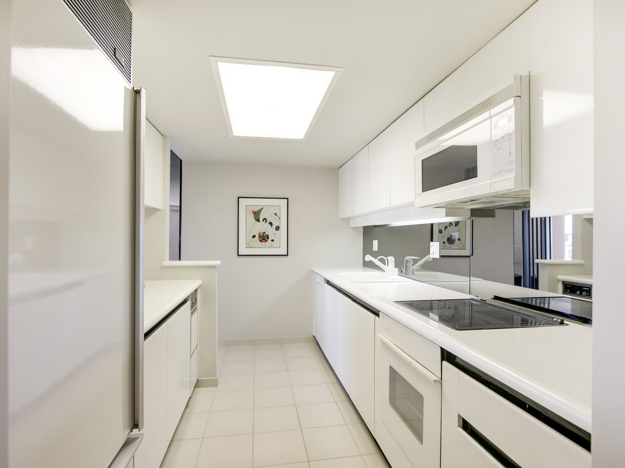 Condo Apartment at 802 1600 HOWE STREET, Unit 802, Vancouver West, British Columbia. Image 9
