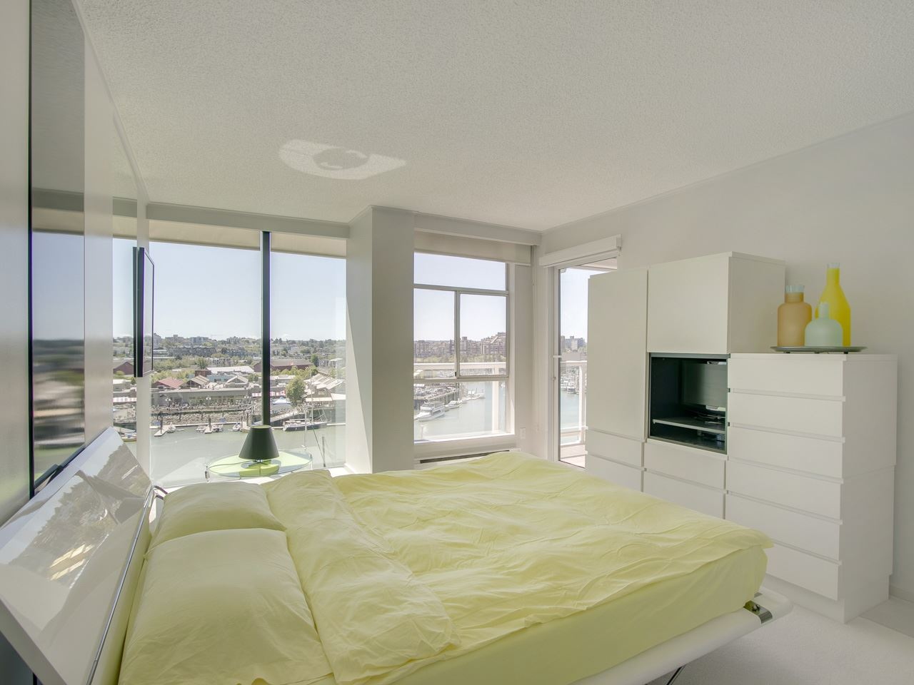 Condo Apartment at 802 1600 HOWE STREET, Unit 802, Vancouver West, British Columbia. Image 11