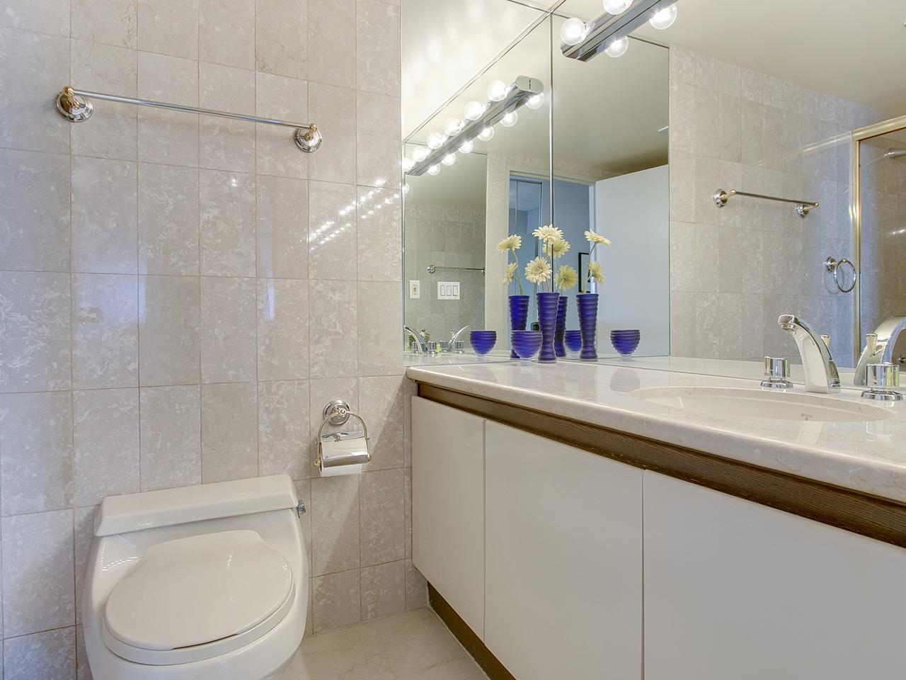 Condo Apartment at 802 1600 HOWE STREET, Unit 802, Vancouver West, British Columbia. Image 12