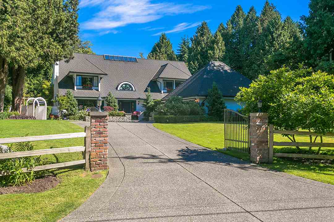 Detached at 2688 CRESCENT DRIVE, South Surrey White Rock, British Columbia. Image 1