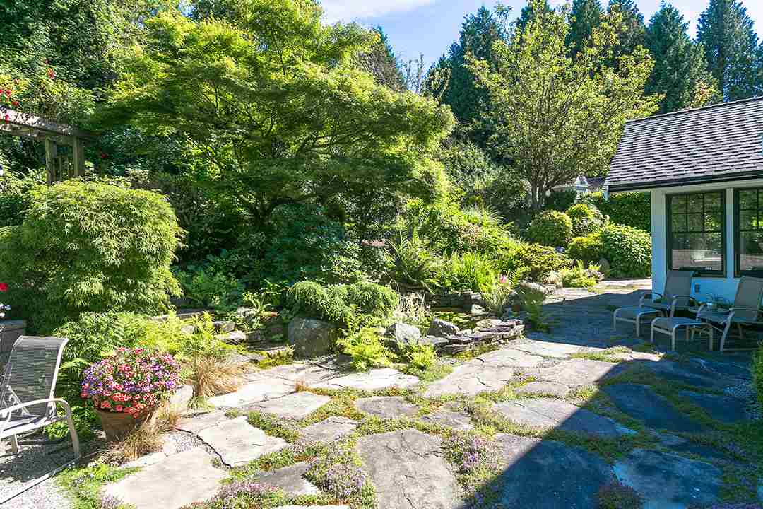Detached at 2688 CRESCENT DRIVE, South Surrey White Rock, British Columbia. Image 15