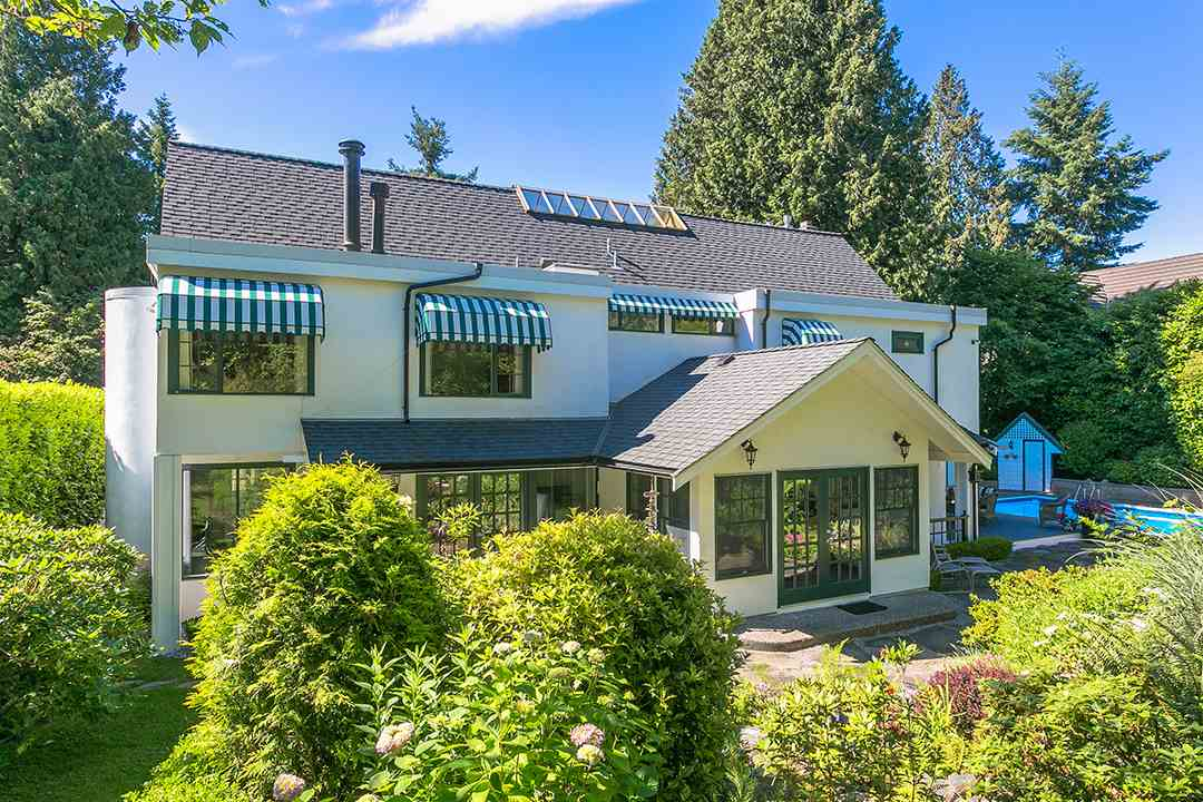 Detached at 2688 CRESCENT DRIVE, South Surrey White Rock, British Columbia. Image 16