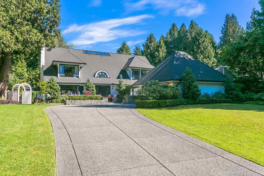 Detached at 2688 CRESCENT DRIVE, South Surrey White Rock, British Columbia. Image 18