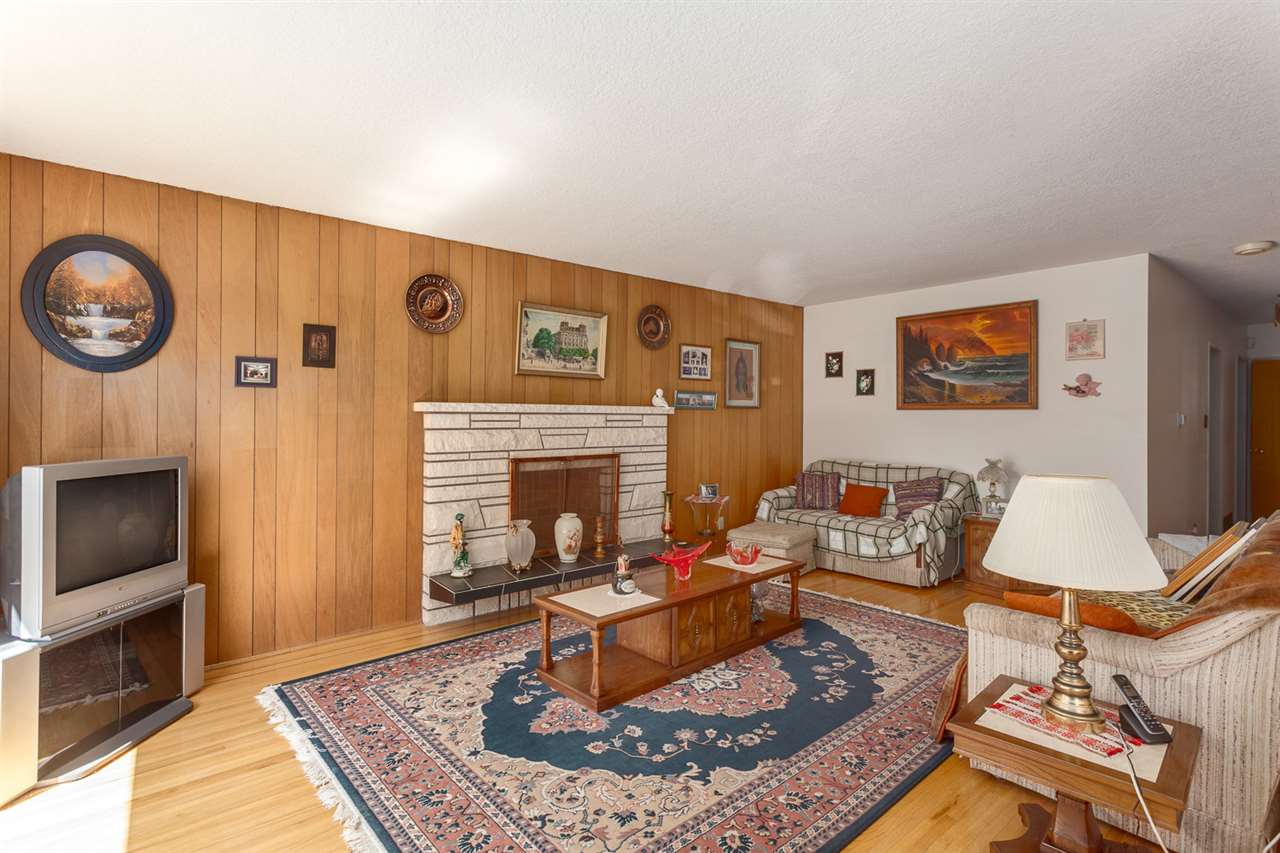 Detached at 811 E 39TH AVENUE, Vancouver East, British Columbia. Image 3