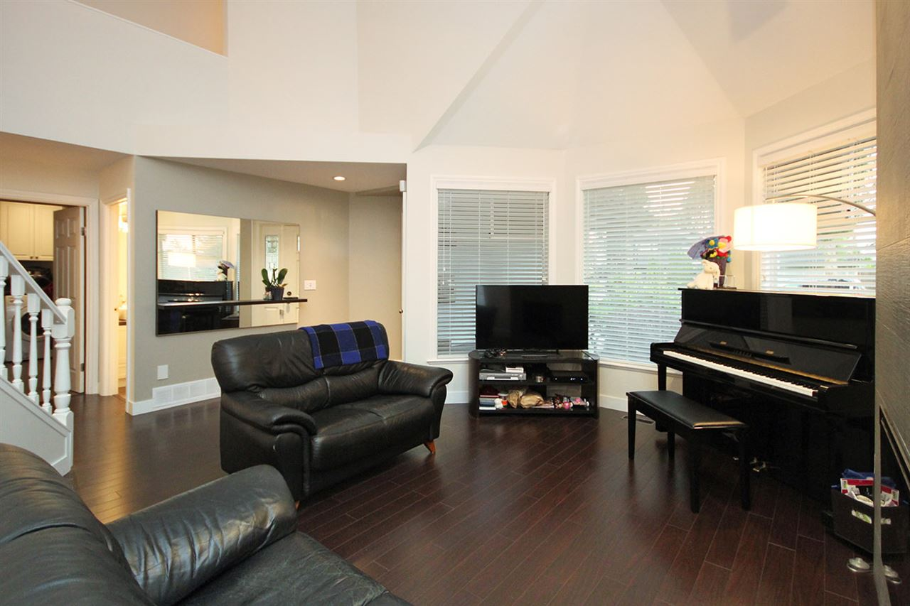 Detached at 4271 SHACKLETON GATE, Richmond, British Columbia. Image 3