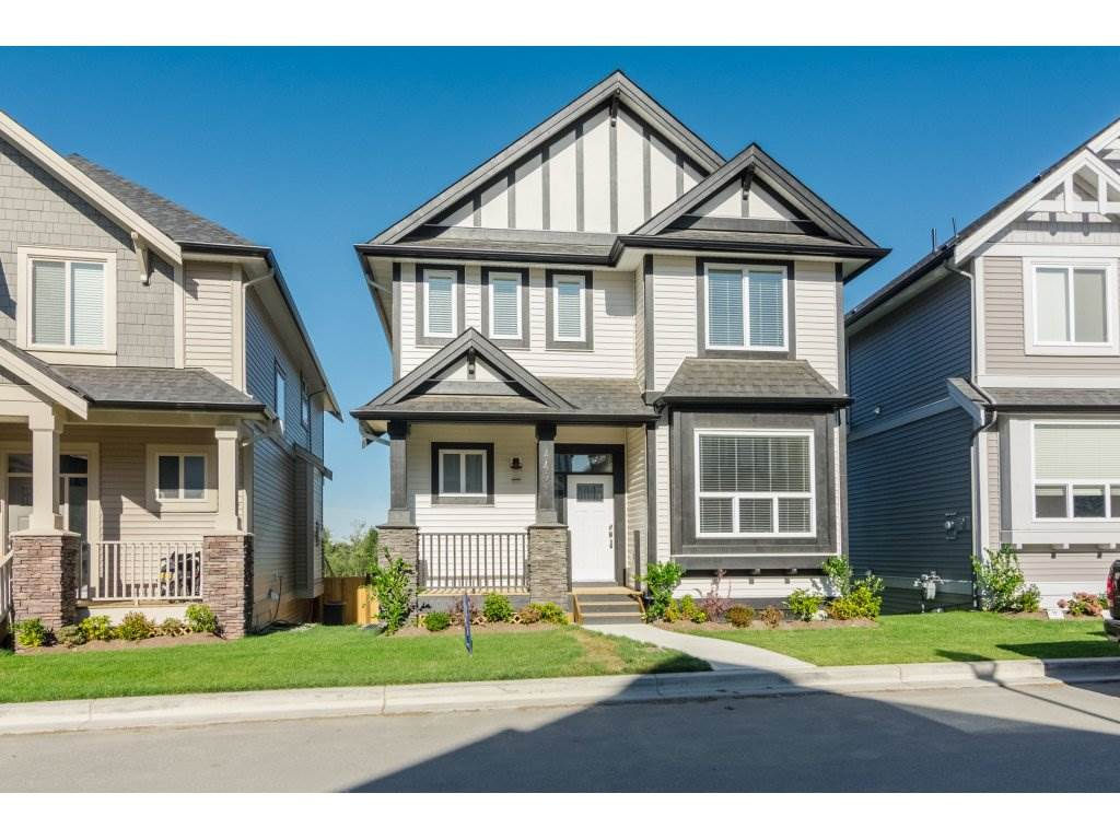 Detached at 4401 STEPHEN LEACOCK DRIVE, Abbotsford, British Columbia. Image 1
