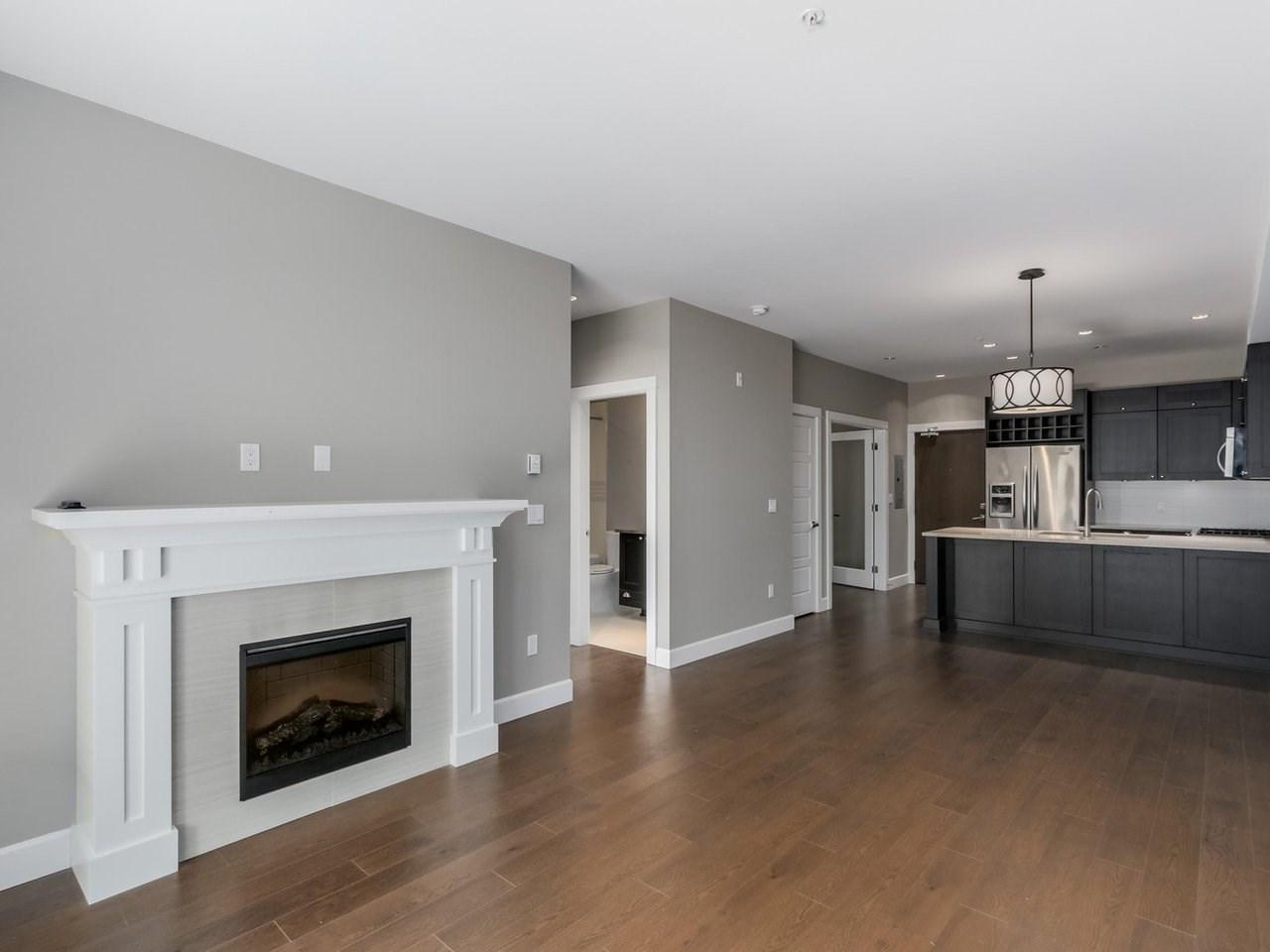 Condo Apartment at 206 15185 36 AVENUE, Unit 206, South Surrey White Rock, British Columbia. Image 3