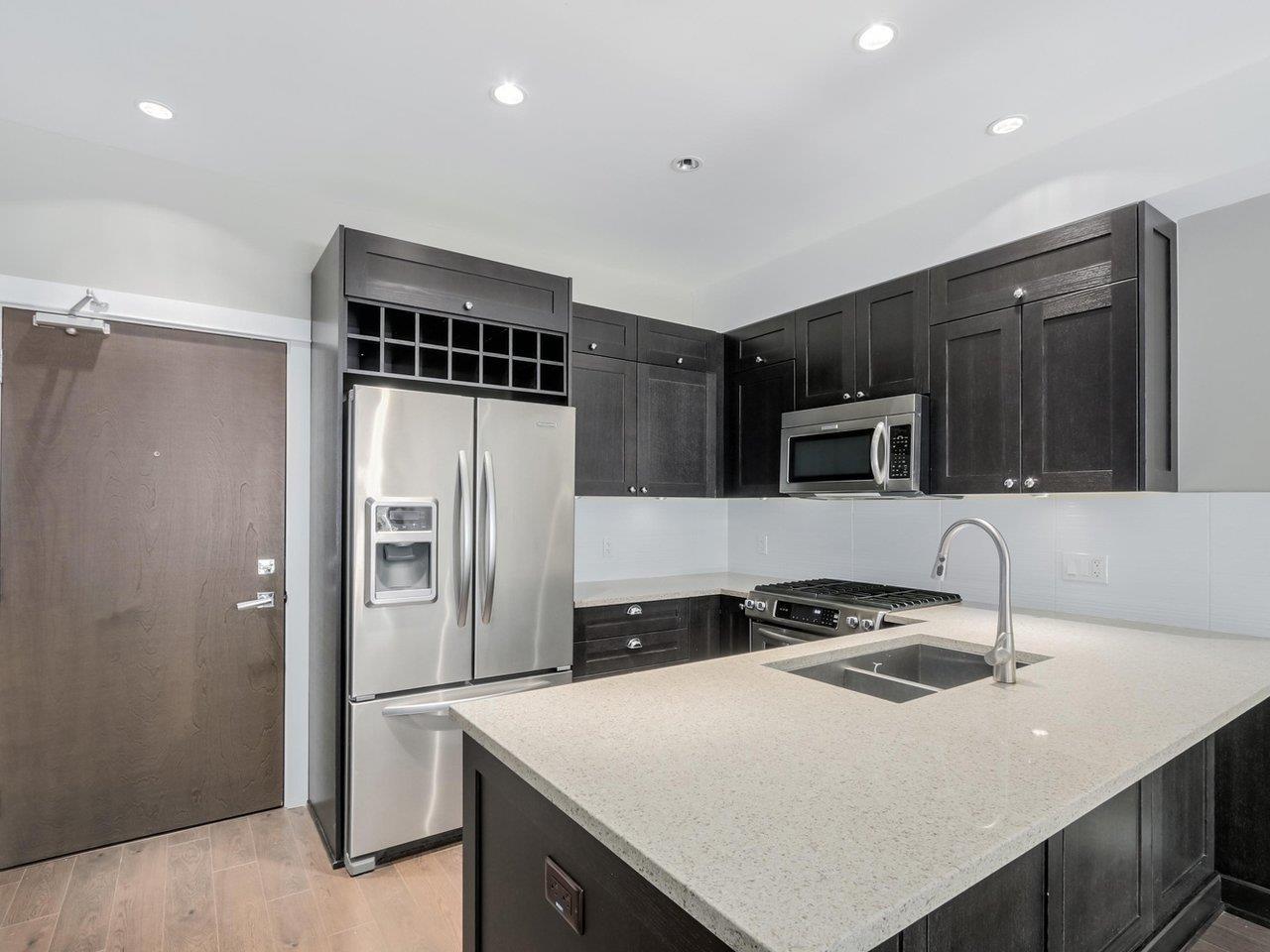 Condo Apartment at 206 15185 36 AVENUE, Unit 206, South Surrey White Rock, British Columbia. Image 5