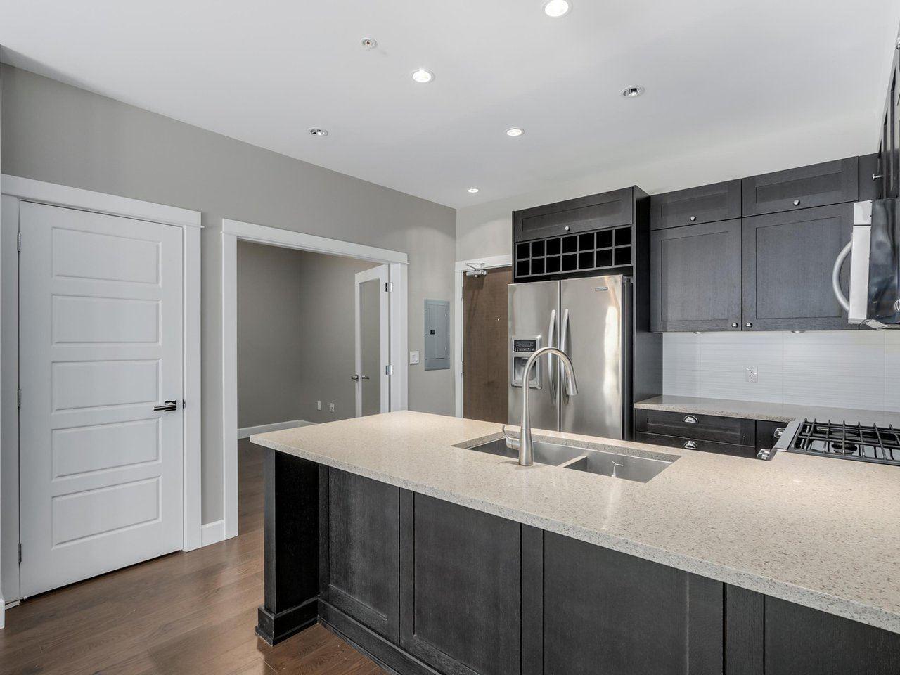 Condo Apartment at 206 15185 36 AVENUE, Unit 206, South Surrey White Rock, British Columbia. Image 7