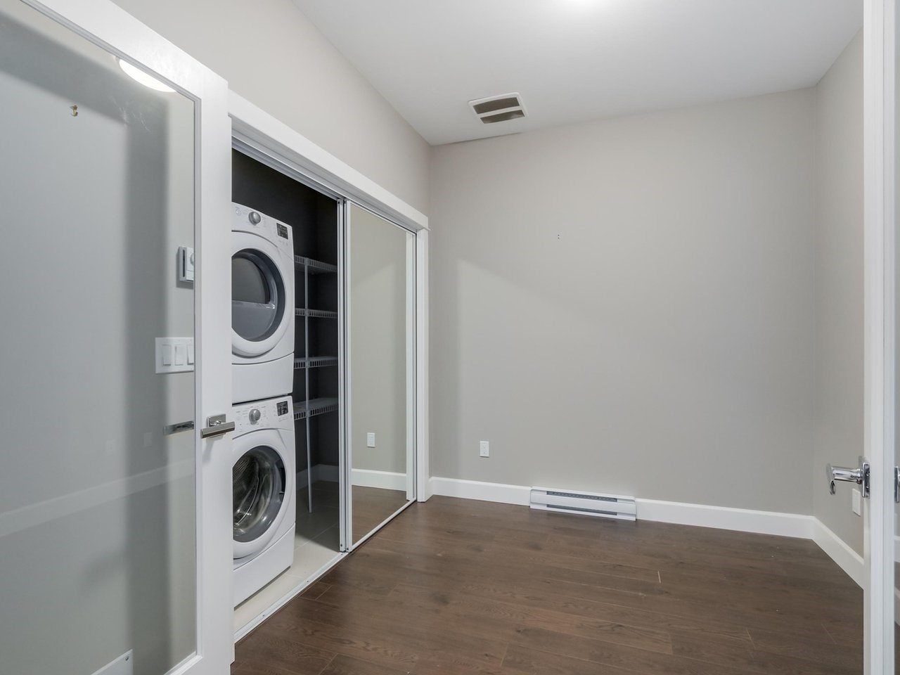 Condo Apartment at 206 15185 36 AVENUE, Unit 206, South Surrey White Rock, British Columbia. Image 8