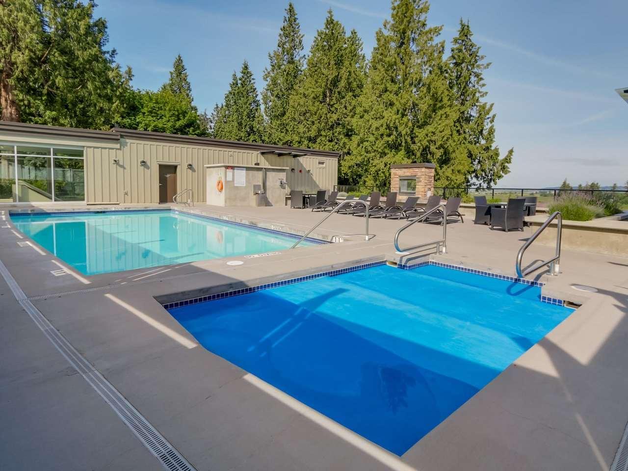 Condo Apartment at 206 15185 36 AVENUE, Unit 206, South Surrey White Rock, British Columbia. Image 13
