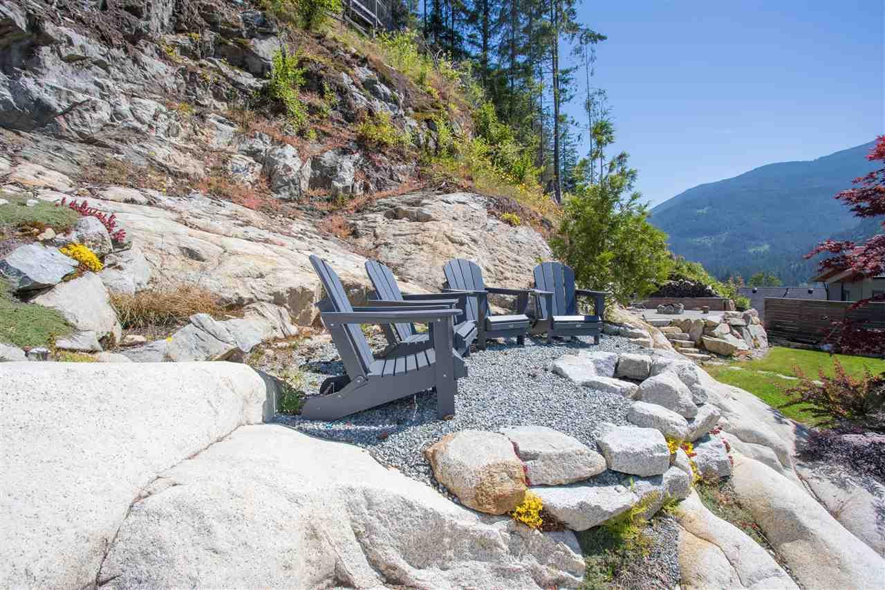 Detached at 38562 SKY PILOT DRIVE, Squamish, British Columbia. Image 1