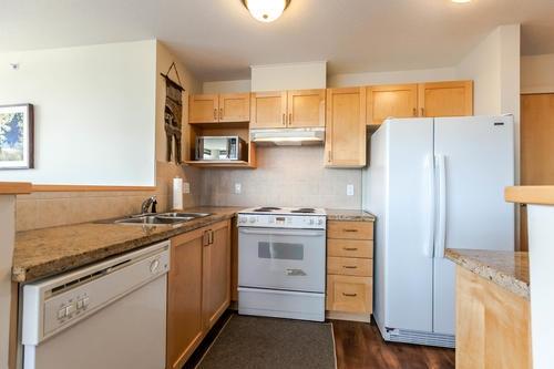 Condo Apartment at 1103 1570 W 7TH AVENUE, Unit 1103, Vancouver West, British Columbia. Image 6