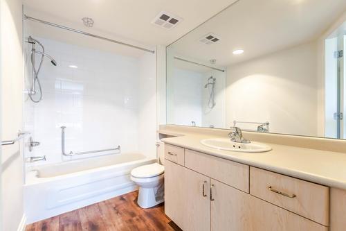 Condo Apartment at 1103 1570 W 7TH AVENUE, Unit 1103, Vancouver West, British Columbia. Image 16