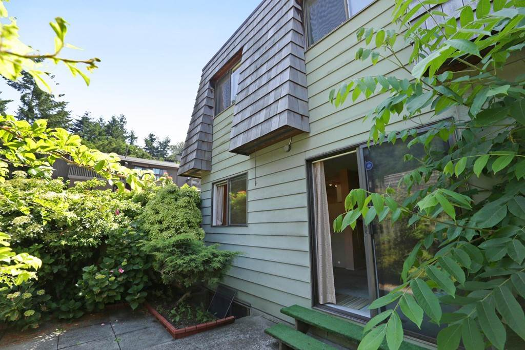 Townhouse at 1214 PREMIER STREET, North Vancouver, British Columbia. Image 11
