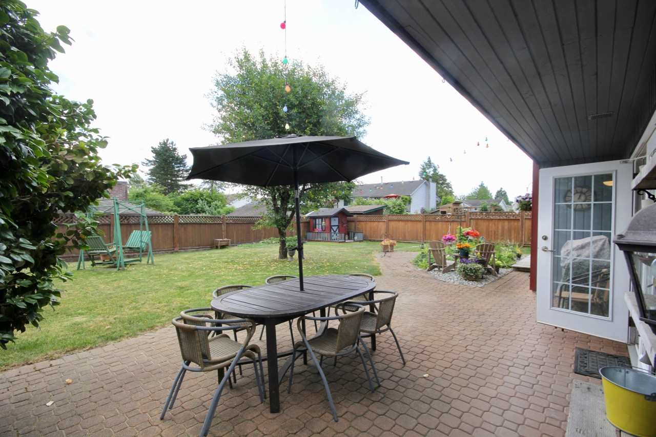 Detached at 9832 158A STREET, North Surrey, British Columbia. Image 14