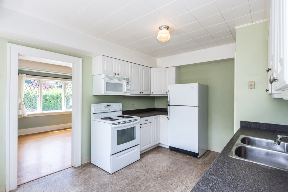 Detached at 3296 W 37TH AVENUE, Vancouver West, British Columbia. Image 3
