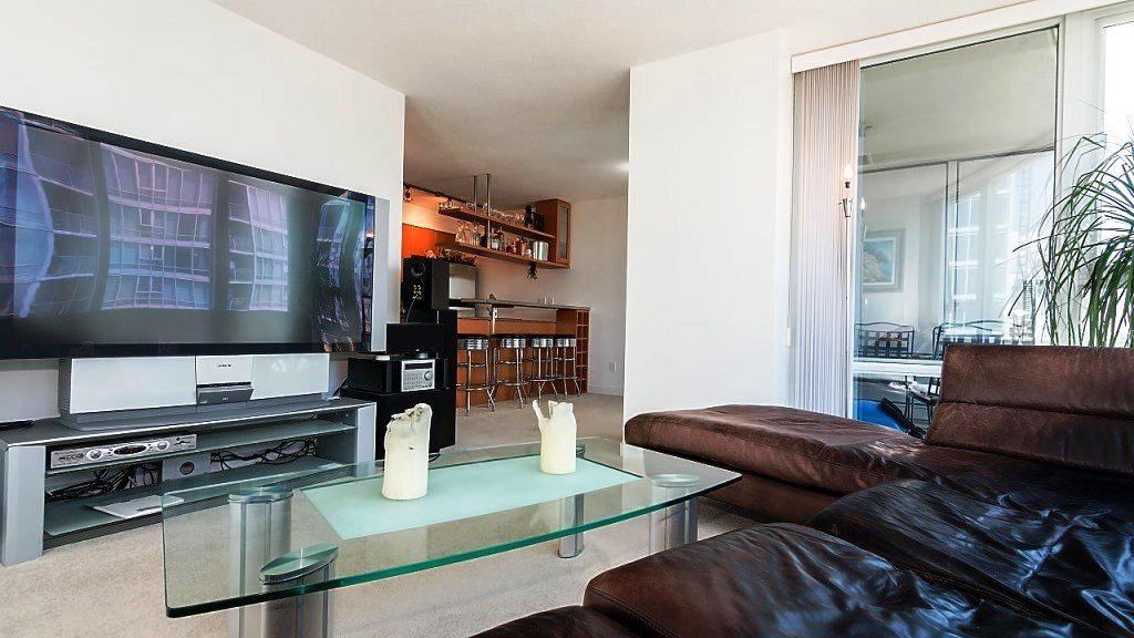 Condo Apartment at 3006 1438 RICHARDS STREET, Unit 3006, Vancouver West, British Columbia. Image 6