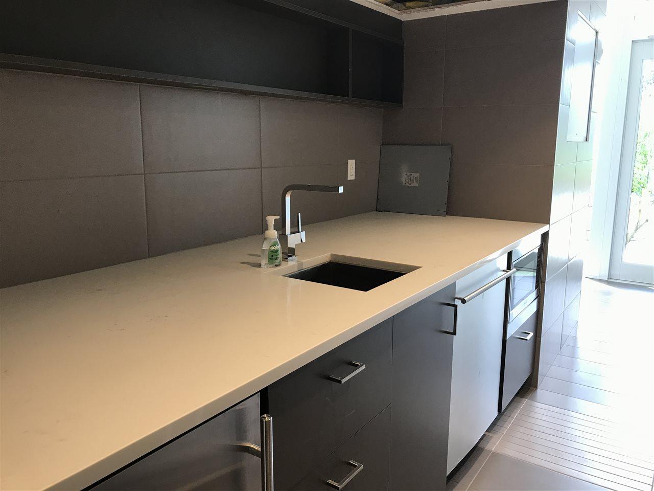 Condo Apartment at 201 505 W 30TH AVENUE, Unit 201, Vancouver West, British Columbia. Image 18