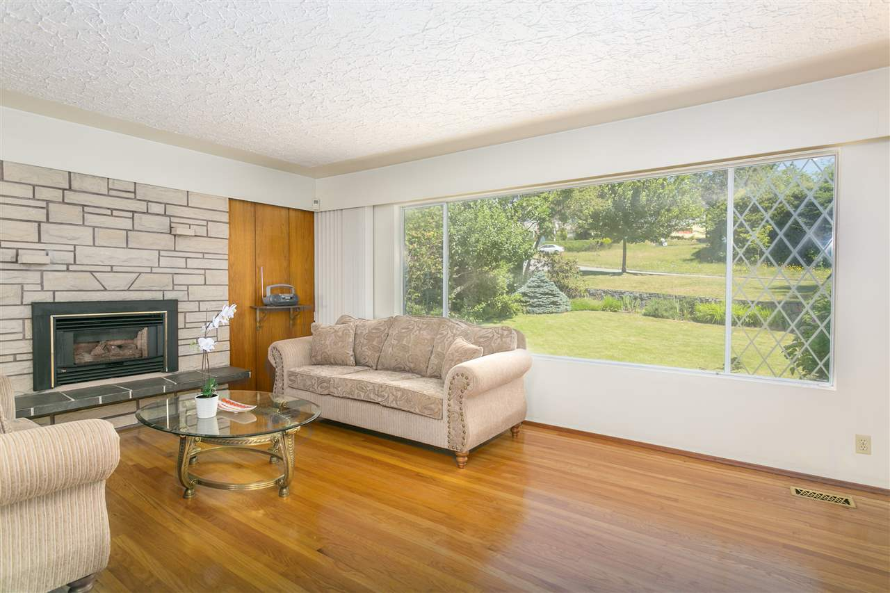 Detached at 2302 ROSEDALE DRIVE, Vancouver East, British Columbia. Image 2