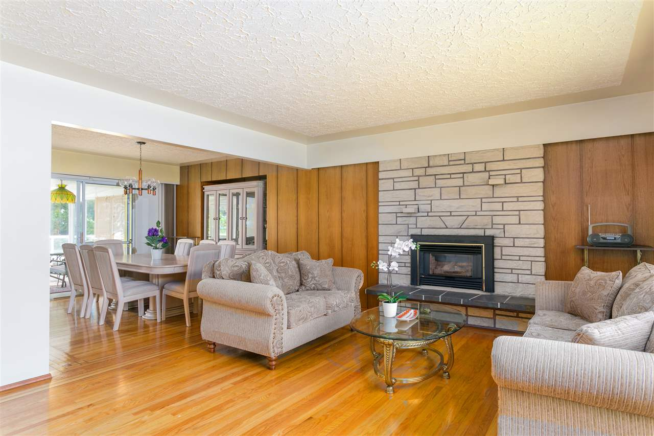 Detached at 2302 ROSEDALE DRIVE, Vancouver East, British Columbia. Image 4
