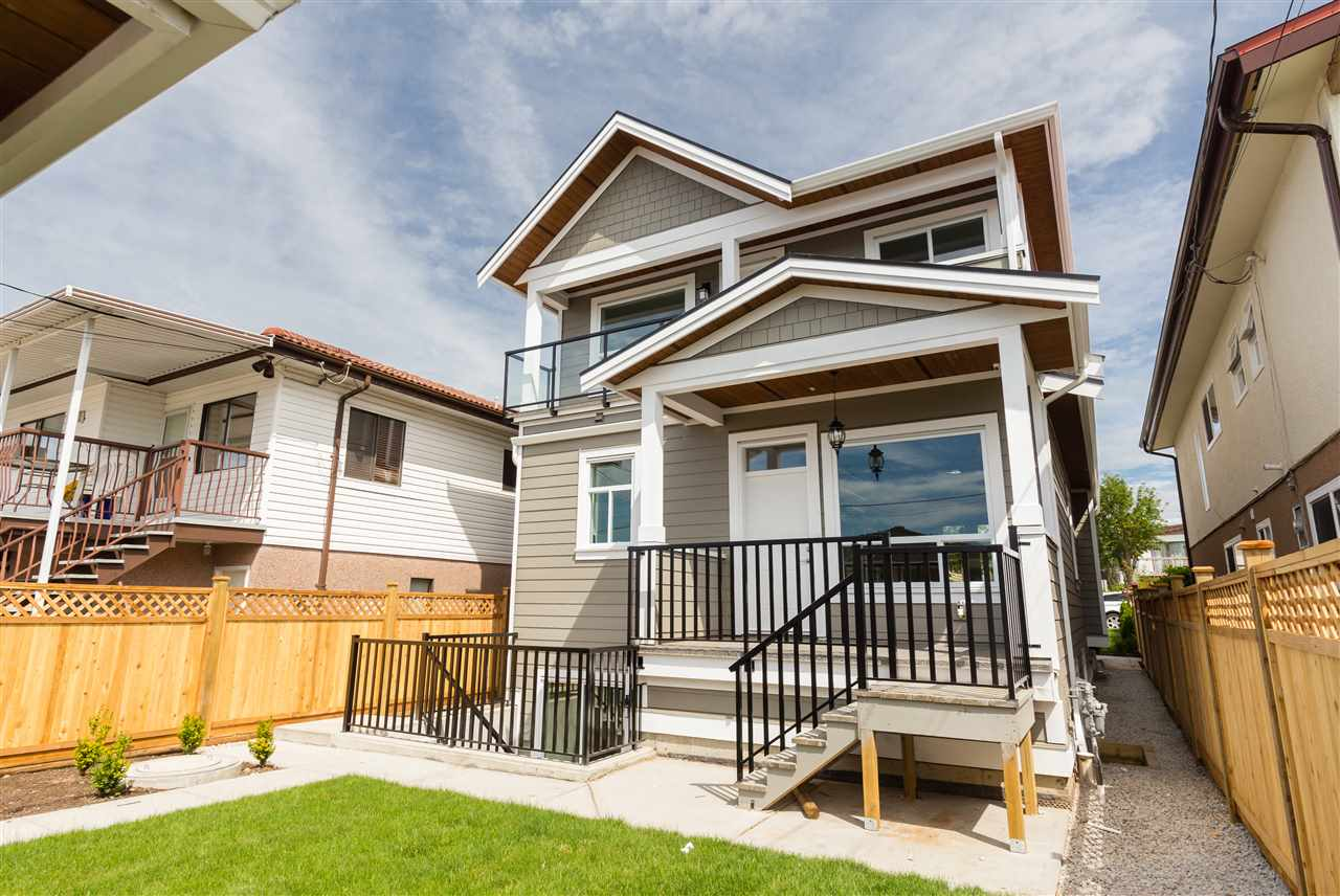 Detached at 4676 UNION STREET, Burnaby North, British Columbia. Image 17