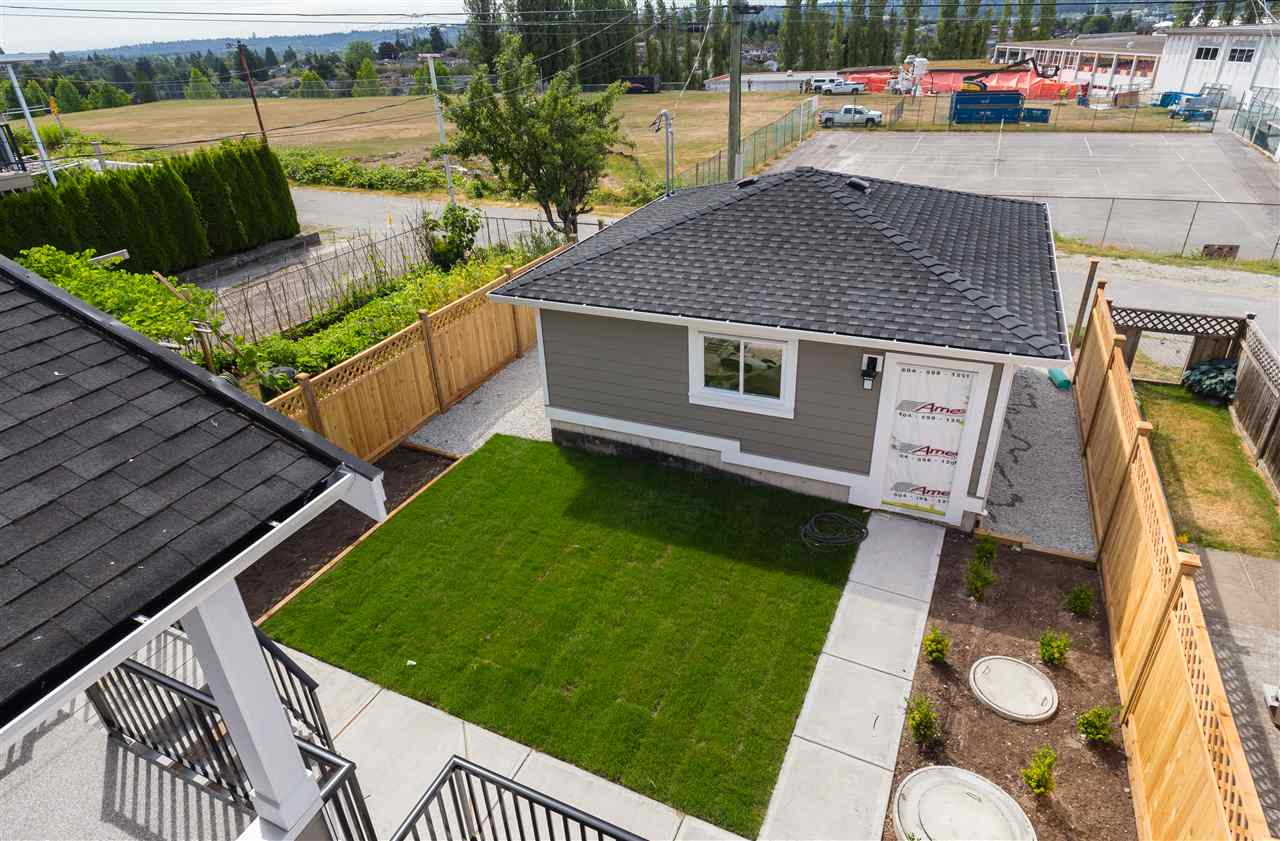 Detached at 4676 UNION STREET, Burnaby North, British Columbia. Image 18