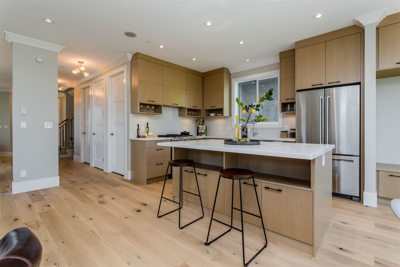 Detached at 3187 VENABLES STREET, Vancouver East, British Columbia. Image 6