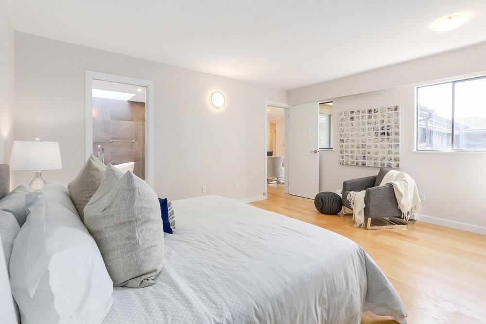 Condo Apartment at 402 2320 W 40TH AVENUE, Unit 402, Vancouver West, British Columbia. Image 9