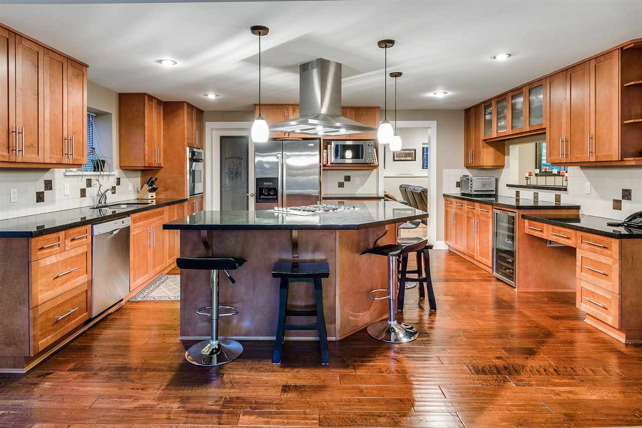 Detached at 628 THURSTON TERRACE, Port Moody, British Columbia. Image 5